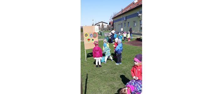 Utrinki dejavnosti v mesecu APRILU oddelka otrok od 2 do 4 let